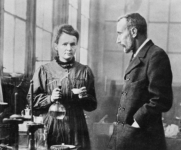 Marie Curie y su marido Pierre Curie
