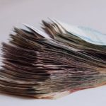 El papel moneda, la representación del dinero que cambió la economía del mundo